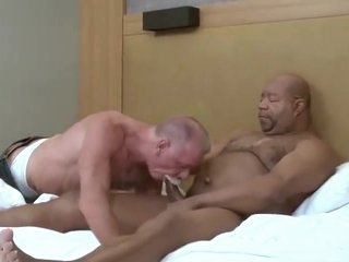 Mature daddy fucked by black grandpa bear