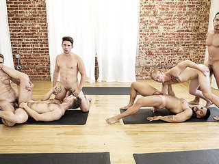 Arad Winwin & Casey Jacks & Jacob Peterson & Leo Luckett & Leon Lewis & Wesley Woods in Yoga - GodsOfMen