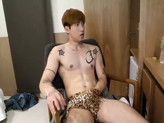 Hot Korean Guy Jerking