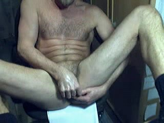 HARRI LEHTINEN SELF-SERVICING HIMSELF WITH HIS OWN COCK AND SWEET CUM!